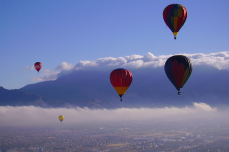 Ballonvaart-indewolken.jpg