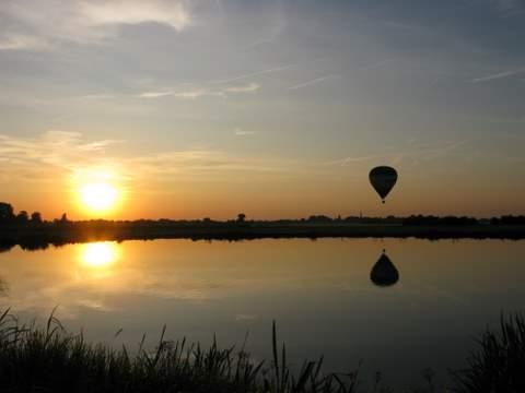 Ballonvaart-zonsondergang.jpg